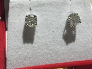 #65 14K WHITE GOLD 1.01CT TOTAL DIAMOND SCREWBACK EARRINGS **APPRAISED AT $4150.00 SELLING FOR ONLY $1095!**