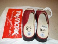Gorgeous dark red leather sandals - never worn. Size 6