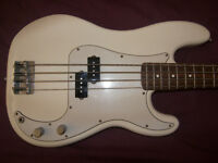 BASS Mexico , Mexican , MIM , Fender Precision Bass , P-Bass (2004-2005) / White !