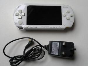 *****SONY PLAYSTATION PSP3001 BLANC A VENDRE / WHITE SONY PSP 3001 FOR SALE*****