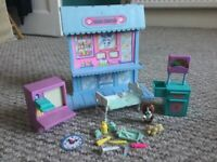 Retro Littlest Pet Shop Care Center Hospital playset