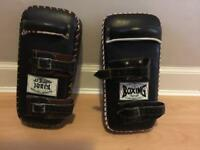 Thai / kick boxing pads