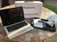 MacBook Pro 13-inch 2011 i5 / 4GB RAM / 320GB HDD