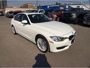 2014 BMW 3 Series / 328 / XDRIVE / S/ROOF / NAV / B/U CAMERA