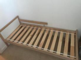 Kids/toddler bed