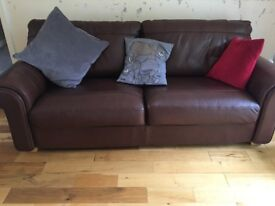 Milano Large Brown Leather Settee 215 x 93 x 91 excellent condition