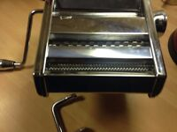Pasta Machine 3 types lasagna,spaghetti and tagliatelle Upto 9 roller settings