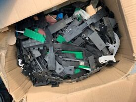 Box of plastic spacers for glass or wood