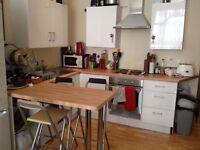 Studio flat to rent on Deptford High Street