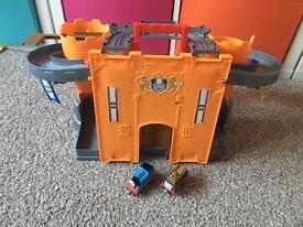 Thomas take and play castle set
