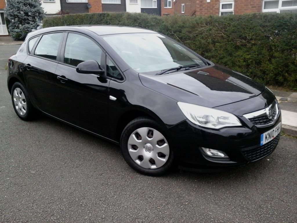 2010 vauxhall astra 1 7 cdti ecoflex exclusiv black 5dr cheap tax insurance in luton. Black Bedroom Furniture Sets. Home Design Ideas
