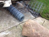 Pig wire fencing