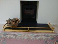 Brass fender which is width adjustable