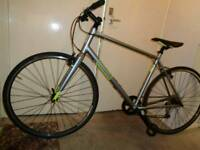 Pinnacle ( neon) aluminium hybrid bike ( mint condition)