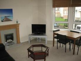 Room to rent in tenament flat, Scotsturn, close to Galsgow city