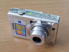 Sony Cyber-shot DSC-W55 7.2 Mega pixels Digital Camera With Memory Card and Case