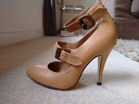 OFFICE Size 5 Nude beige High Heels Double straps