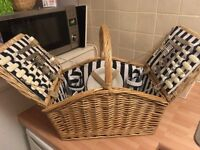 Brand new picnic set for four people - Ready for summer!