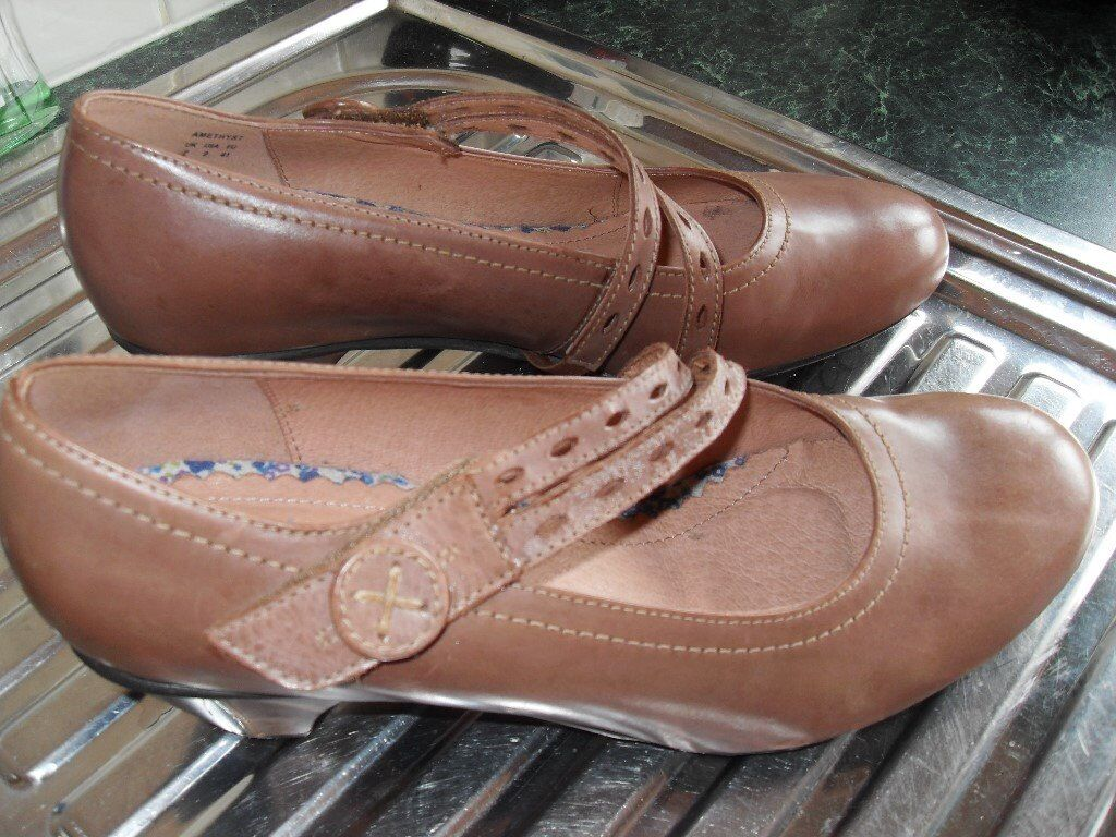 HOTTER LADIES SHOE, SIZE 7, BRAND NEW