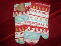 Cooksmart Christmas oven gloves - New with tags