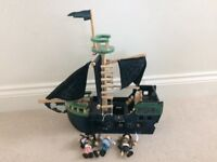 GLTC Wooden toy pirate ship & 3 Le Toy Van pirate figures