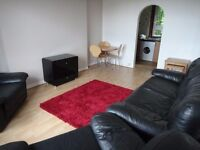 2 DOUBLE BEDROOM SPACIOUS FLAT FOR LEASE, NEWLY DECORATED, SHORT WALK TO HOSPITAL/UNI AVAILABLE NOW