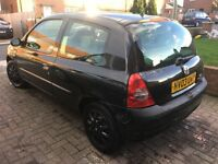 2003 black Renault Clio 12 months mot