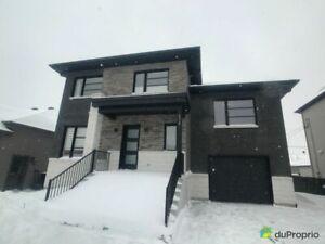 396 900$ - Maison 2 étages à vendre à St-Amable