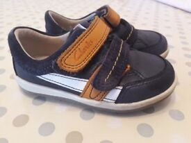 Boys clarks shoes, size 6f