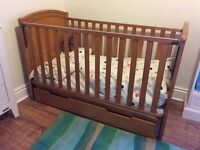 Cot Bed with removeable side cotbed