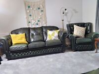 CONTEMPORARY CHESTERFIELD SETTEE 3x2x1 BOTTLE GREEN LEATHER IN NEAR MINT CONDITION