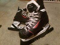 CCM RBZ Size 2.5-3 (EU 35) Ice Skates and Blade Guards