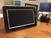 """Logic 7"""" digital photo frame"""
