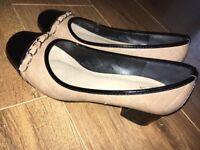 Size 5 Good condition Womens beige quilted black block heel flats EU 38