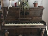 Piano, old style