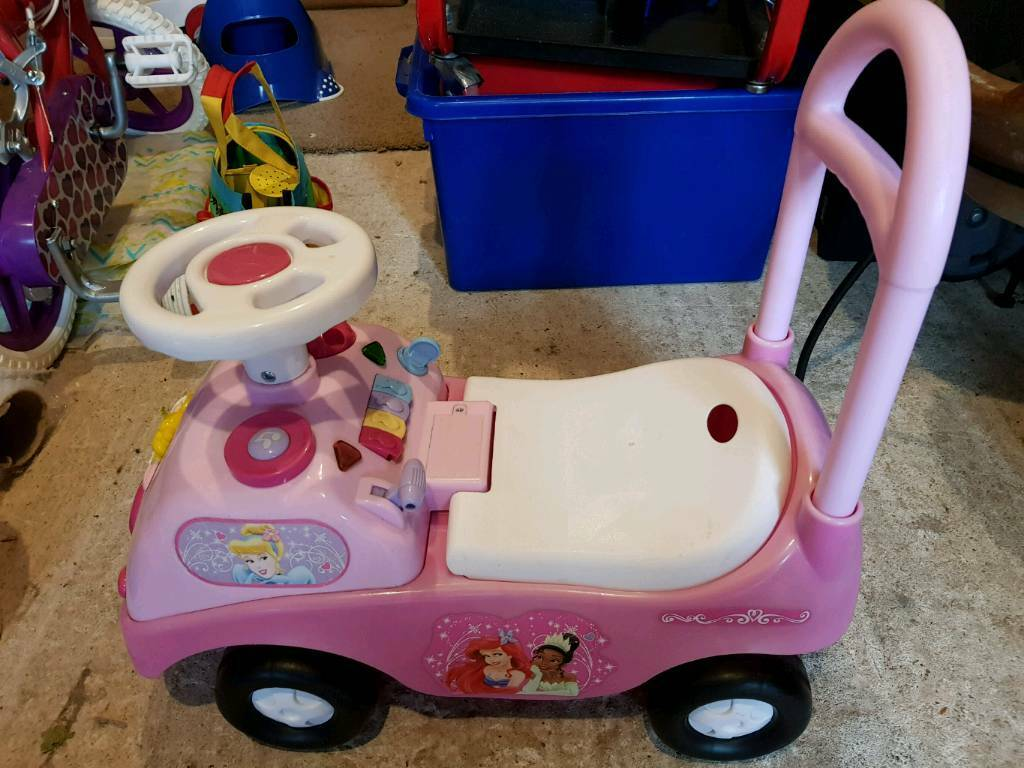 DISNEY PRINCESS RIDE-ON TOY