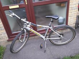 Raleigh hybrid bicycle