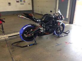 Triumph daytona 675 trackbike