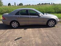 Mercedes-Benz 2004 C Class 2.1 C220 CDI ELEGANCE SE 4d AUTO 148 BHP