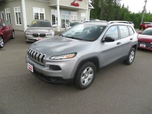 2015 Jeep Cherokee Heated Seats, Heated Steering Wheel!