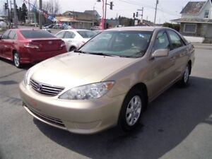 2006 Toyota Camry LE V6,seulement 80 000km