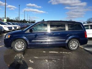 2016 Chrysler Town & Country Touring/STOW'N GO/HEATED LEATHER/BA