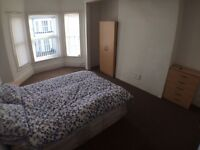 Double room to rent, Birkenhead, £300 a month, New Bed, New Wardrobe and Recently Decorated'