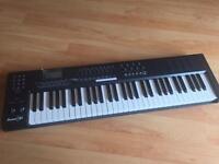 M-AUDIO AXIOM 61 MIDI KEYBOARD - 61 KEY USB KEYBOARD & BEAT PAD