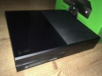 Xbox One 500GB // GTA V // Headset