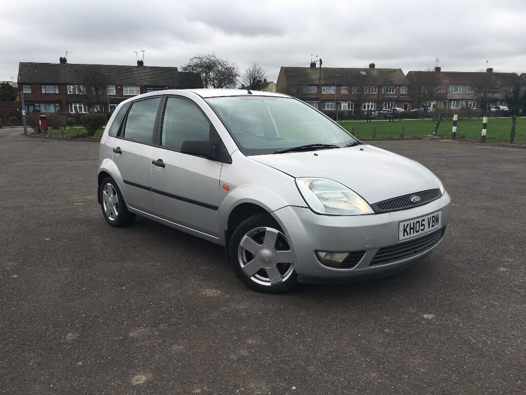 ford fiesta 1 4 zetec 5 door 5 speed 2005 1 2 in hornchurch london gumtree. Black Bedroom Furniture Sets. Home Design Ideas