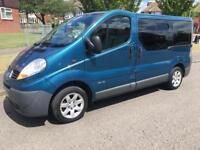 Renault traffic 2.0 dci 6 speed wheel chair accessible powered ramp 5 seater + wheelchair accessible