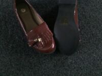 Maroon loafer shoes. River Island size 5, used but never been worn outside.