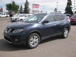 2016 Nissan Rogue 2.5L | Keyless | Heated Seats | Sunroof | Came