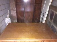 stunning solid Oak Desk in excellent condition